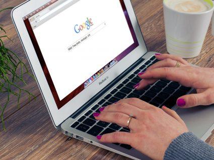 Como aceder à sua informação pessoal no Google