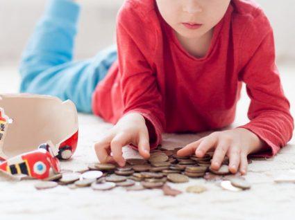 16 truques para ensinar os filhos a poupar