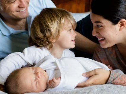 Licença parental inicial: que direitos estão previstos na lei?