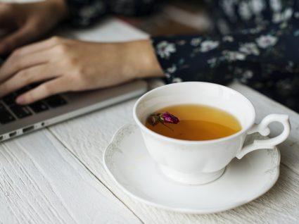 Os 10 melhores chás para beber no trabalho