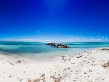 Veja as 5 melhores praias do mundo eleitas pelos viajantes