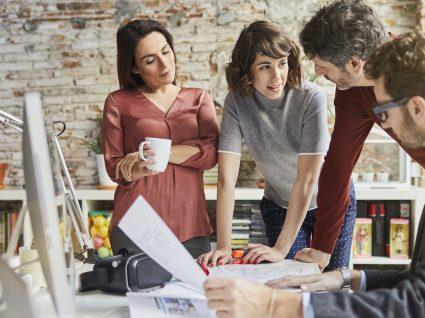 10 dicas sobre o que não deve vestir no trabalho