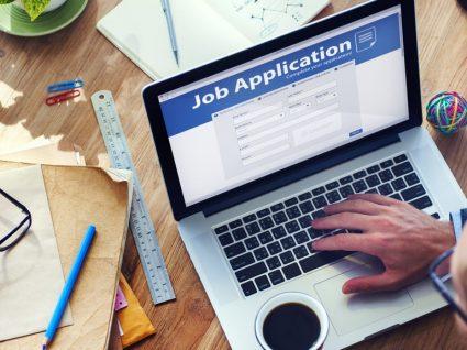 Procurar emprego estando empregado: sim ou não?
