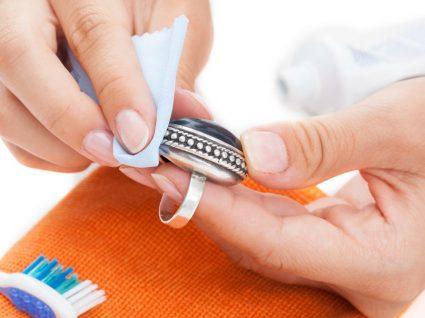 Limpar prata: como fazer e mantê-la sempre brilhante
