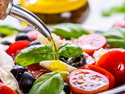 Salada Caprese: aprenda a fazer o prato italiano que faz sucesso no verão