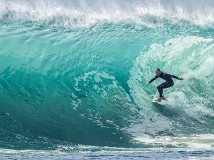 8 desportos aquáticos para praticar este verão