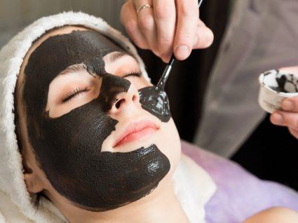 Máscara facial retirada do mercado por risco sério para a saúde
