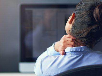 Passa demasiado tempo sentado? 10 dicas essenciais para a sua saúde