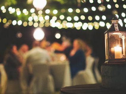 11 coisas que não deve fazer quando for convidado para jantar em casa de alguém