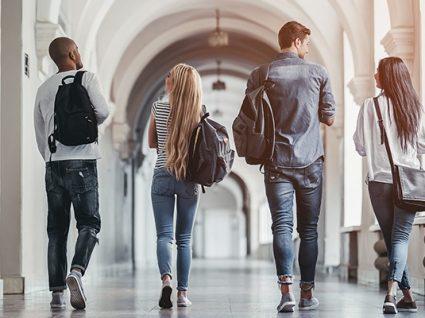 Como evitar problemas financeiros na universidade
