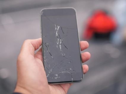 Já há ecrãs de telemóveis que se regeneram sozinhos