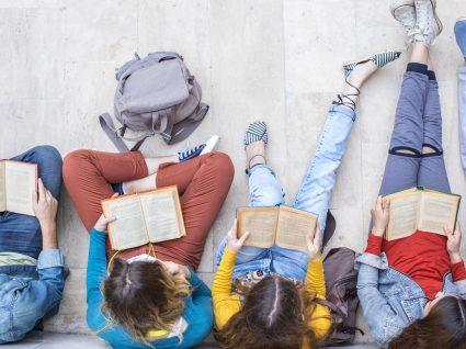 10 livros para ler na adolescência que não vai querer deixar escapar