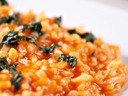 Arroz de tomate: o acompanhamento ideal de qualquer refeição