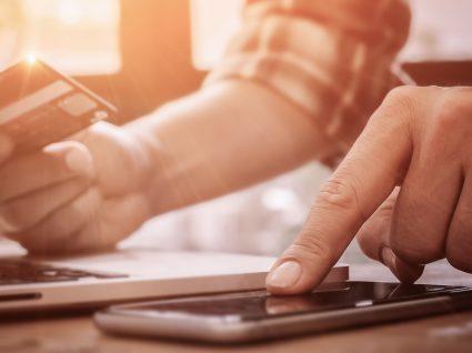 3 formas de poupar com o cartão de crédito no dia-a-dia