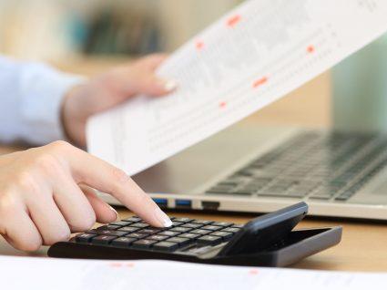 Está com falta de dinheiro? 8 erros financeiros que deve evitar