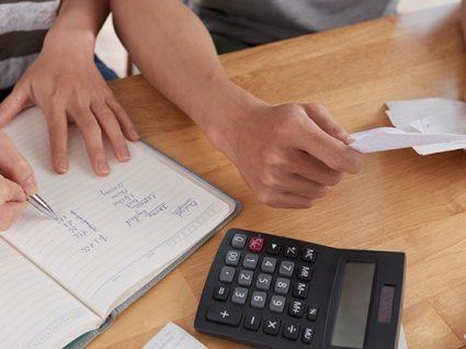 7 erros financeiros que podem destruir um casamento
