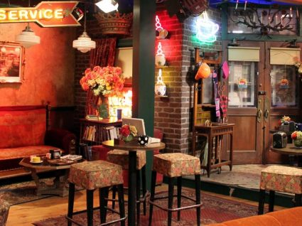 Faça uma decoração baseada em Friends e recorde a série dos 90's
