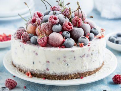 7 receitas de bolos simples e baratas para dias doces