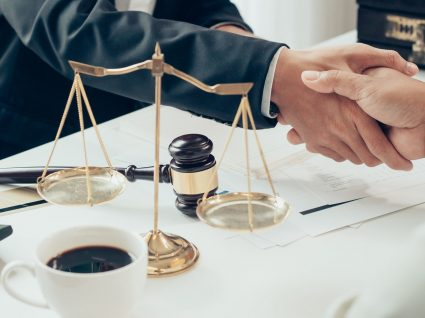 Como obter apoio jurídico gratuito
