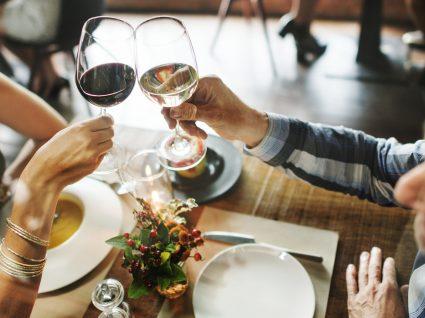 15 truques para ir a restaurantes caros sem gastar uma fortuna