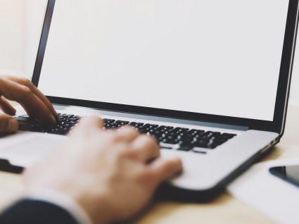 O que não deve fazer no computador de trabalho? 10 regras de ouro