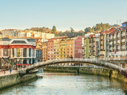 Já pensou em visitar Bilbau? Descubra os spots imperdíveis!