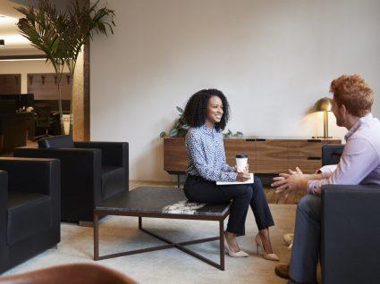 Frases para iniciar uma conversa: 6 abordagens diferentes