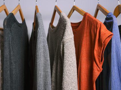 As 18 peças de roupa que pode usar todo o ano