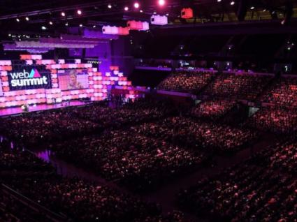 Web Summit: o peso da tecnologia na mudança das relações amorosas