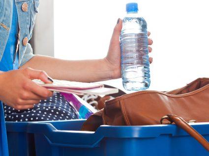 Conheça um truque simples para deixar de comprar garrafas de água no aeroporto
