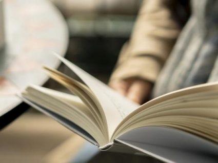 Novo livro de Haruki Murakami chega às livrarias portuguesas