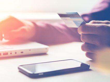 Carregar o telemóvel online: como fazê-lo de forma simples e segura