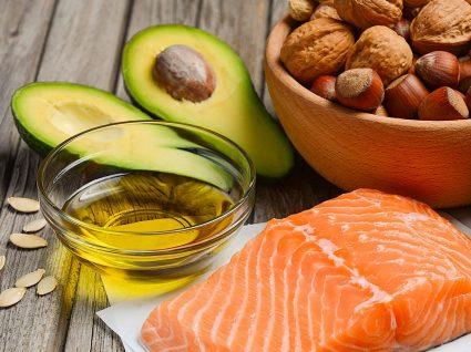 Colesterol: fatores de risco, doenças associadas e controlo dos níveis