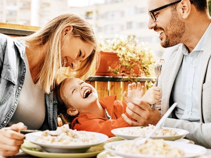 30 restaurantes baby-friendly em Lisboa: espaços para famílias