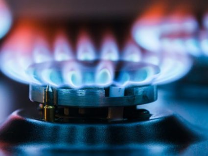 Preço do gás natural para as famílias em Portugal é o 3º mais caro da UE