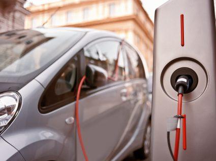 Conheça os 7 carros híbridos com menor consumo
