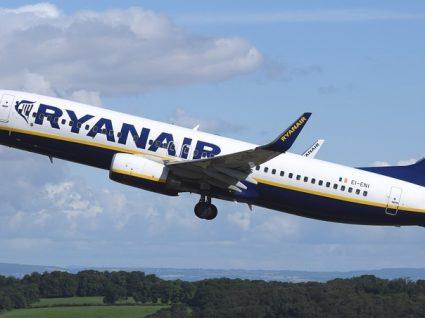 Passageiros da Ryanair com direito a indemnização até 400 euros
