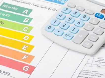 Preço da luz desce 3,5% em mercado regulado em 2019 para as famílias