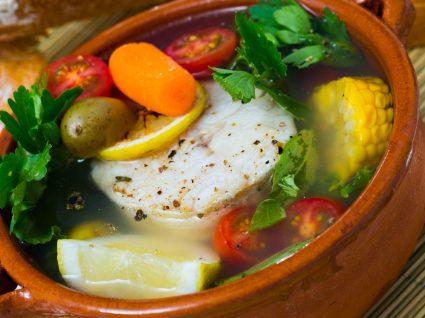 Bacalhau cozido com todos: história e versões desta receita