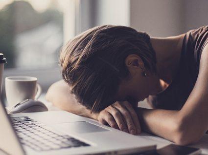 12 sintomas de stress: conheça-os e previna-se