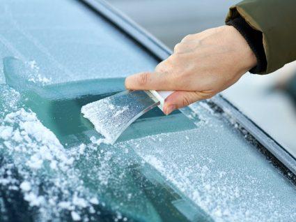 Como tirar gelo do pára-brisas? Dicas e cuidados a ter
