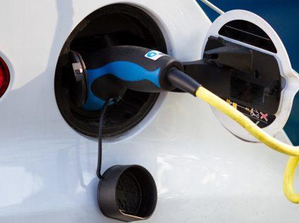 Carregar carros elétricos: como, onde e quanto custa