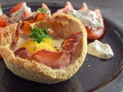 5 receitas com bacon e ovo para petiscos deliciosos