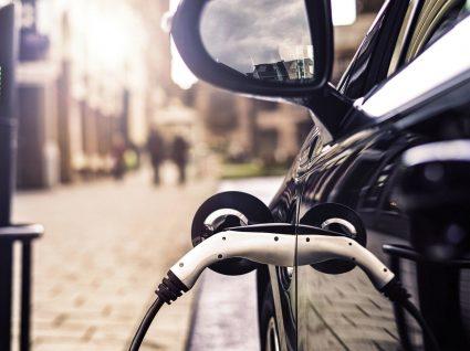 Sabe quanto custa trocar bateria de um carro elétrico?