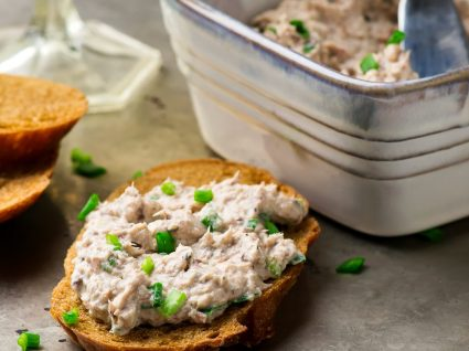 6 receitas de patê de sardinha [com vídeo]: deliciosas!