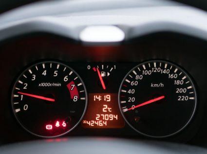 Vale a pena comprar um carro com 100 mil km?