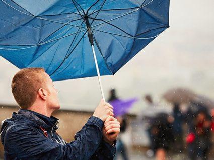 Prepare guarda-chuva e um bom casaco: depressão Helena deixa Portugal em alerta vermelho