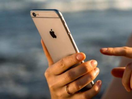 Tem um iPhone? Há empresas a espiar o que faz no telemóvel
