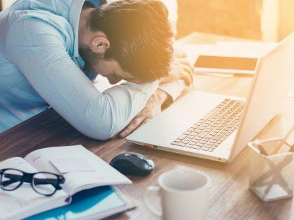 A relação entre o local de trabalho e a frustração vocacional