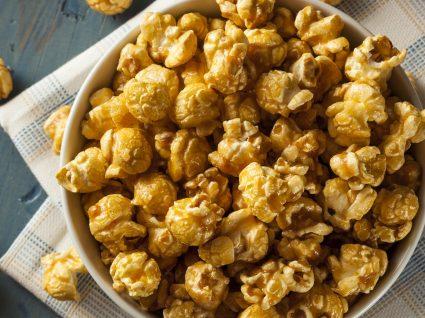 5 receitas de pipocas para dias de filmes, séries ou muita gula